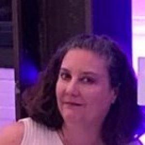 Headshot of Leslie Sanders